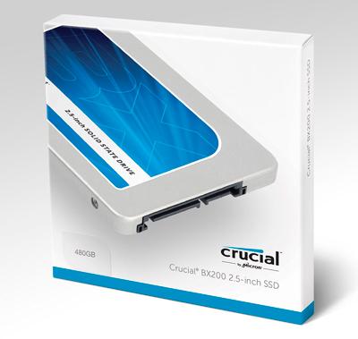 Discos SSD Crucial BX200 en su caja.