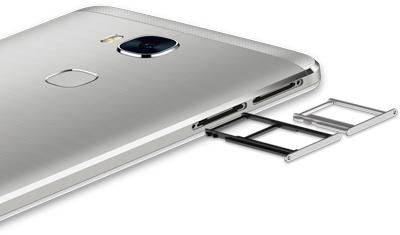 Vista en detalle de la parte posterior del SmartPhone Honor 5X