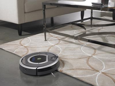Subiendo a una alfombra el Robot Aspirador iRobot Roomba 782