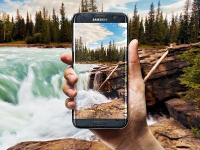 El Samsung S7 edge es resistente al agua y polvo.