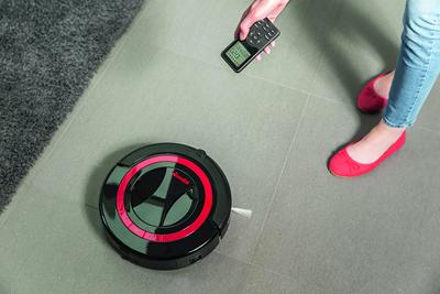 Manejando el Robot Aspirador Vileda Relax Plus con el mando a distancia