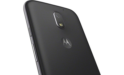 Detalle de la cámara trasera del SmartPhone Moto E 2016