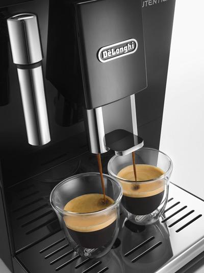 Prepara dos tazas al mismo tiempo con la cafetera DeLonghi Autentica