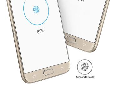 Sensor de huellas en el smartphone Samsung Galaxy J7 2017